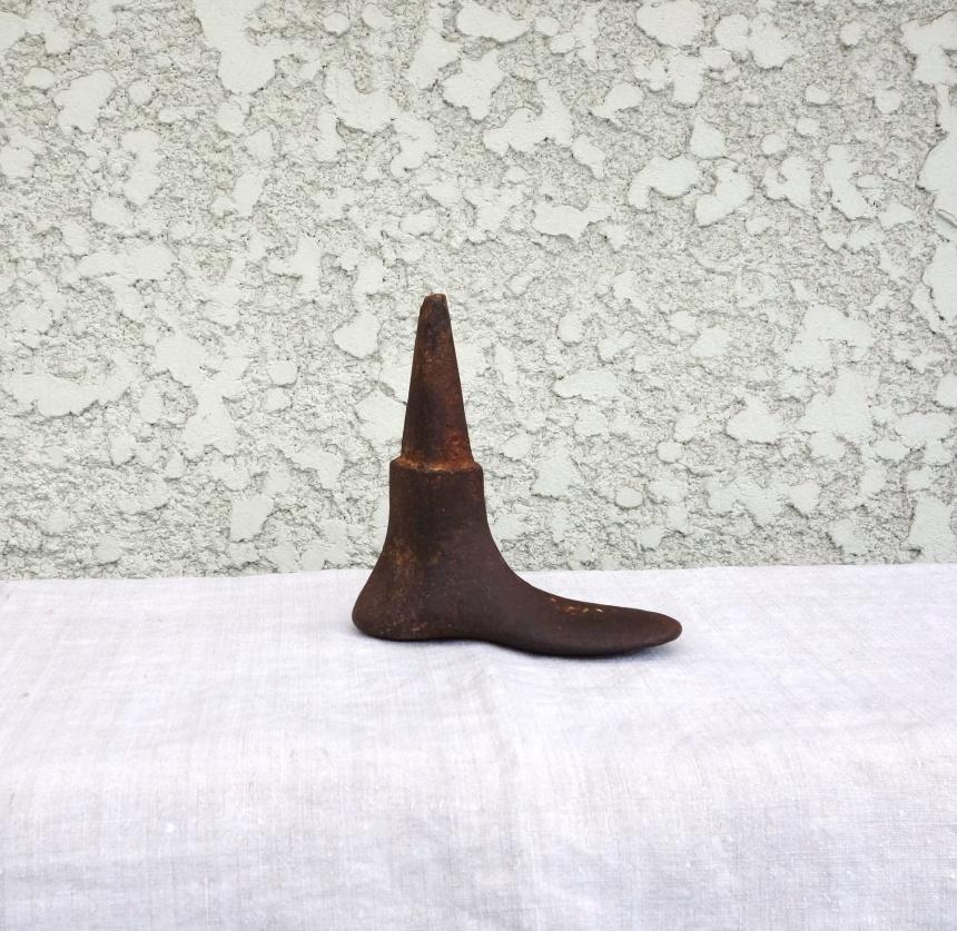 ●靴屋の道具-鉄床