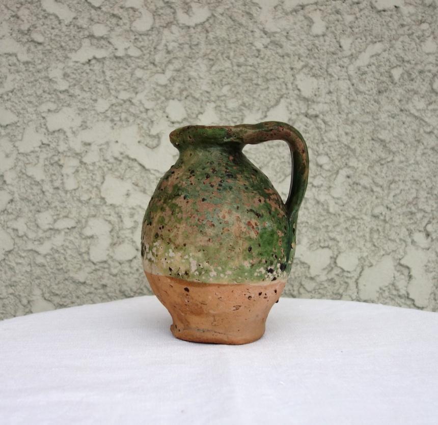 南仏の陶器-油入れ