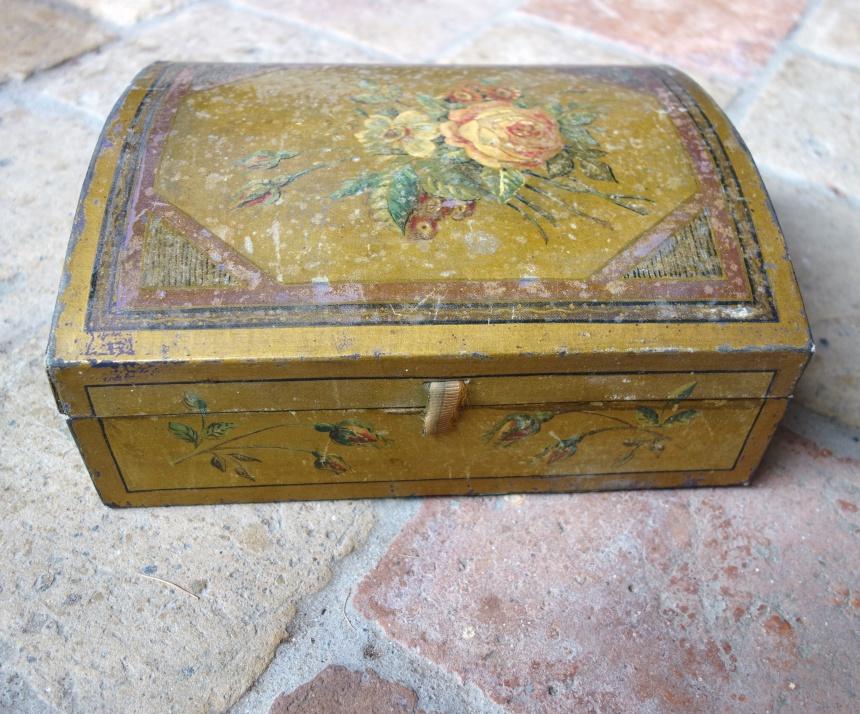 ●フランス裁縫箱