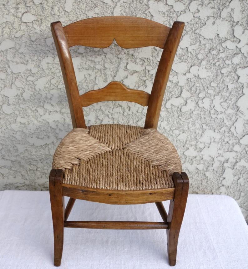 ●南仏の古道具:幼児の椅子