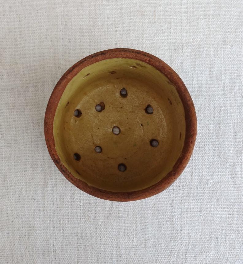 ●南仏の古道具:チーズの型Ⅱ