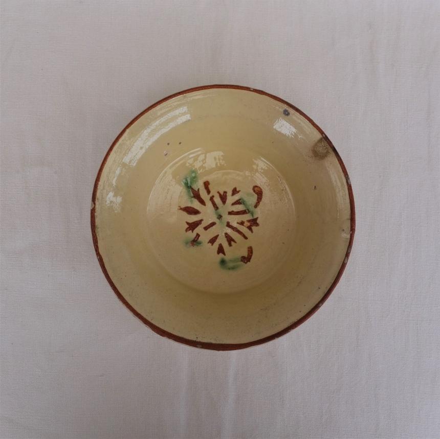 南仏の陶器:黄釉