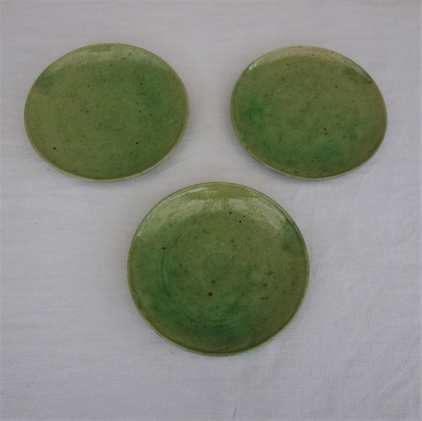 ●南仏の陶器:緑釉の平皿Ⅲ