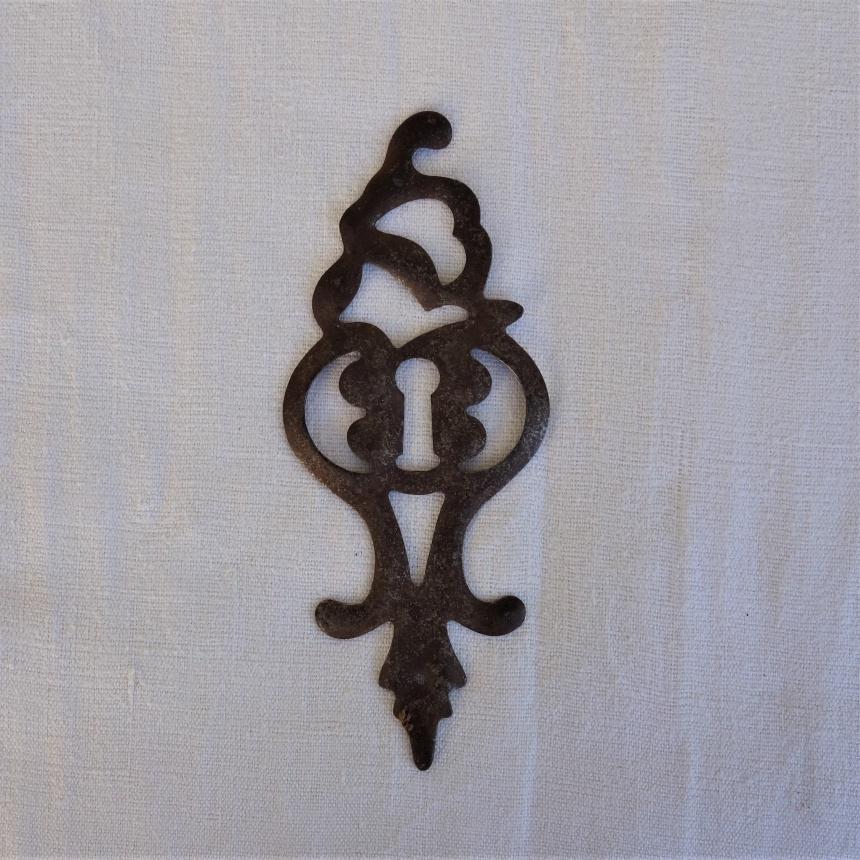 南仏の古道具:扉の道具;鍵穴飾りⅣ