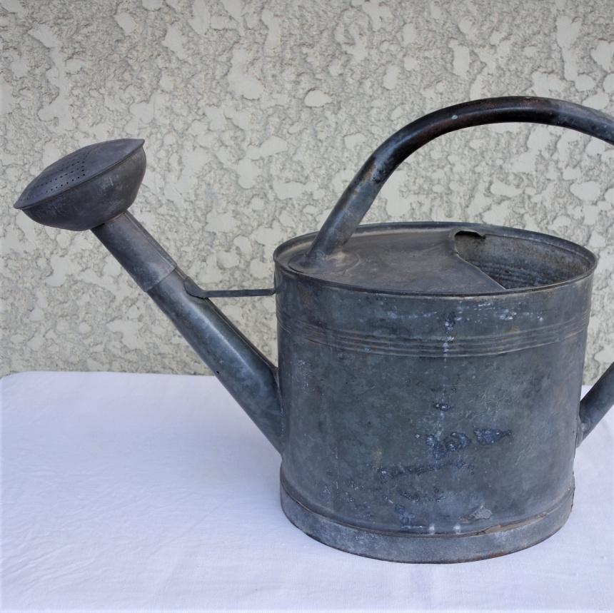 ●フランス古道具:庭の道具;如雨露