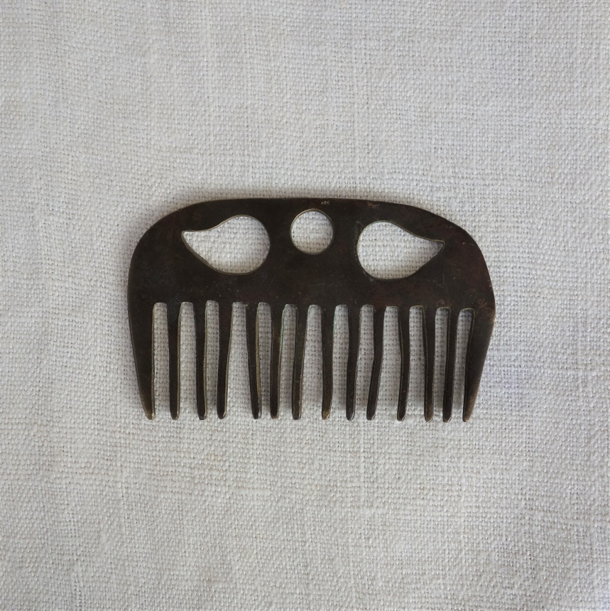 ●フランス古道具:馬の道具;櫛