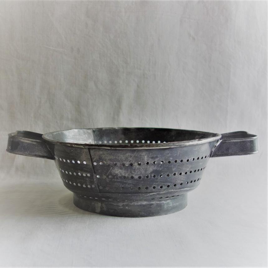 """●フランス古道具 """"P"""" 料理の道具-水切りⅠ"""