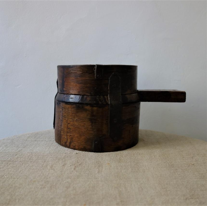 """フランス古道具""""M"""" 穀物測り"""
